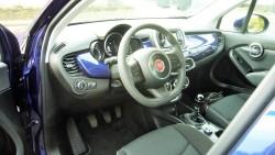 Fiat har helt sin egen stil når man indretter førerplads, og det kalder på respekt, selv om vi ikke altid er helt enige i måder og metoder.