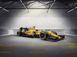 Renaults racere er selvfølgelig gule, og her er den nye Renault, som er førsteudgaven af modelår 2016.
