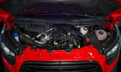 Fix og færdig. Et styk 2-liters diesel i morgendagens Transit. Vi drømmer allerede tilbage til Fords næsten legendariske 3,2 motor, som var kongeudgaven af Ford Transit.