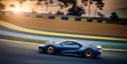 Alt i moderne materialer, toptimmet aerodynamik, og så tilpasses hver enkelt af de 500 biler til køberen.