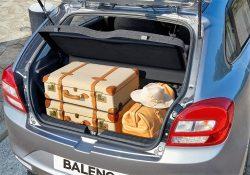 Baleno er ægte 5-dørs i Corsa og 208 klassen, men der er alligevel blevet plads til en rigtig pænt bagagerum.