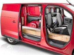 Selvfølgelig har en ny varebil muligheder for at køre med ekstra lange genstande, men det gå ud over komforten i passagersædet.