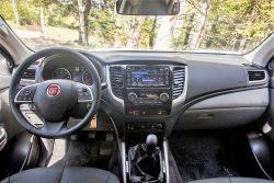 Som det er tilfældet med kassevognen Talento, er eneste ændring indendørs det tydelige Fiat-logo i rattet.
