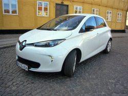 Renault Zoe er sød og praktisk, men familien Danmark siger pænt nej tak, og en helt traditionel bil.