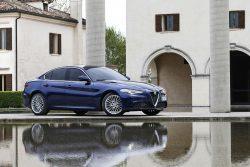 Man føler sig hensat til de hellige haller for bildesign, når man ser den nye Alfa Romeo Giulia, som kan erhverves for 475.000 kr, men hold også øje med kommende leasingtilbud.