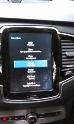 Teorerisk kan man kører på ren benzin og lade batteriet, men i praksis fungerer det ikke.