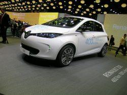 Renault Zoe, nu med en rækkevidde op til 400 km er ustikkeligt for konkurrenterne, som i bedste tilfælde byder på meget kortere rækkevidde.