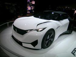Peugeot Fractal er ikke en  kommende vogn i sportsvognens superklasse, bilen er mest af alt et lydstudie.