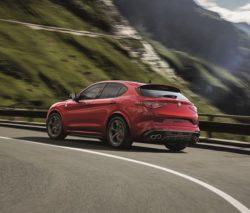 Alfa Romeo skal selvfølgelig også have en SUV, og det er ikke en hvilken som helst SUV der er på vej. Det lugter fælt af toppen af toppen.