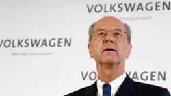Formanden for VW koncernens bestyrelse, Hans Dieter er kommet i den tyske anklagemyndigheds søgelys. Formanden mistænkes for manipulationl - eller på dansk, medvirken til røgslør. Røgslør over en dieselskandale!!!