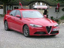 Alfa Giulia er klar med de oplagte firmaversioner. Giulia med både benzin- diesel og automatgear. Cw-værdien på Giulia er så lav som 0,23.