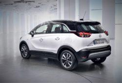 Crossland kan direkte sammenlignes med Opel Mokka. To biler i samme størrelse.