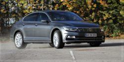 VW er det bilmærke, der registrerer flest nye biler i Danmark. I 2016 er det totale antal 26395 personbiler, men 5342 af disse biler var demobiler. I 2015 faldt salget af Golf i Danmark, mens salget af Passat  er steget med knap 1300 biler i 2016.