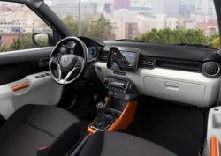 Høj og god kørestilling mulighed for det meste i sikkerhedsudstyr og en lys og venlig kabine.