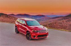 Jeeps nye topmodel sender alle andre serieproducerede biler af SUV-biler i skammekrogen med 707 kompressorheste, fra den store V8 maskine.